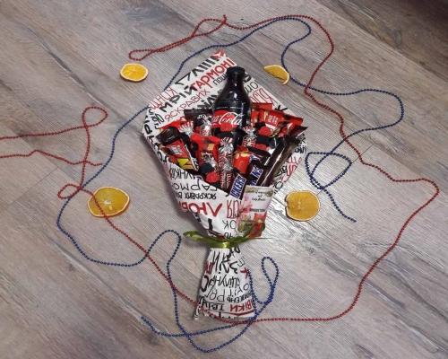 Букет из конфет и сладостей –  Магазин Икон | Фотография 1