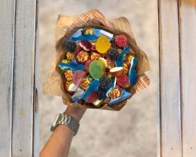 Букет из конфет и сладостей